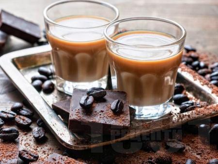 Домашен шоколадов ликьор с аромат на кафе - снимка на рецептата